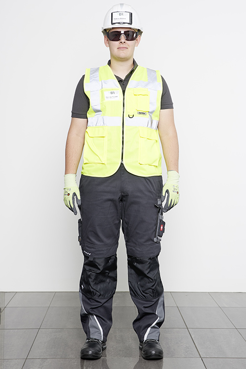 presentation of safety clothing from the front without jacket